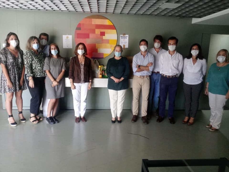 Empleados de TEPRO participan en un acción solidaria de recogida de alimentos para apoyo frente al COVID-19
